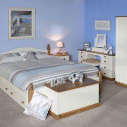 Dawlish Pine Bedroom